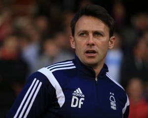 Freedman signs new Forest deal
