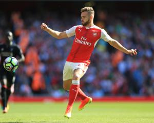 Arsenal loan Calum Chambers to Middlesbrough