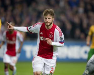 Ajax keep alive hopes of Last 16 with win over Celtic