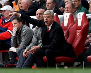 Wenger unsure who captained Arsenal in second half against Manchester City