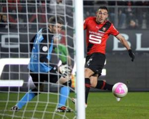 Lille thwarted by 10-man Rennes