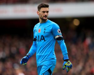 Hugo Lloris to put Tottenham contract talks on backburner ahead of vital week