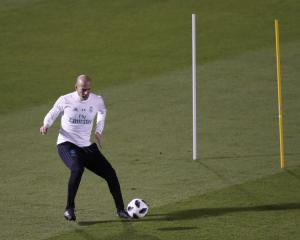 Zinedine Zidane warns Real Madrid Club World Cup success will not come easy