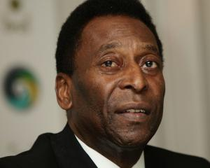 Pele set to leave hospital