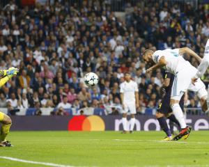 Hugo Lloris' heroics help Tottenham secure draw at Real Madrid