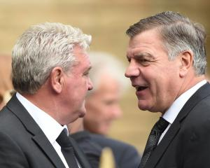Steve Bruce has held 'informal' talks with FA over England manager's job - Hull