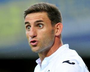New deal at Swansea for Angel Rangel