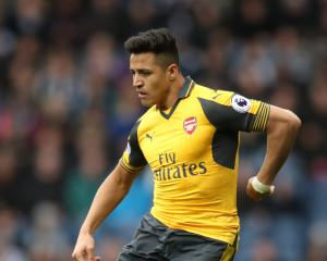 Arsene Wenger says Arsenal are London's only team to play for after Sanchez link