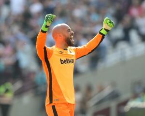 Pressure on Slaven Bilic eased as West Ham end losing run