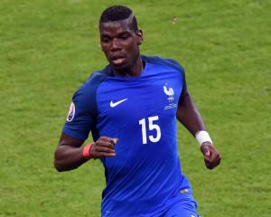 Paul Pogba's wondergoal ends Dutch unbeaten streak as France take control