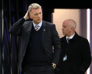 David Moyes grateful for club's backing as Sunderland slip further towards drop