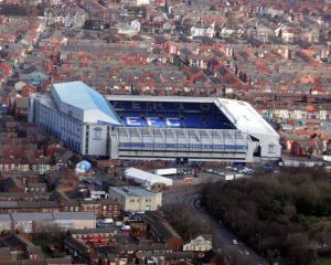 Everton warn of 'risks and uncertainties' with latest new stadium plan