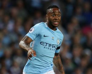 Raheem Sterling earns Manchester City a dramatic win amid late drama