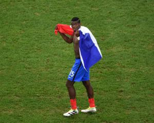 Transfer News - United begin Pogba negotiations, Chelsea snubbed by midfield target