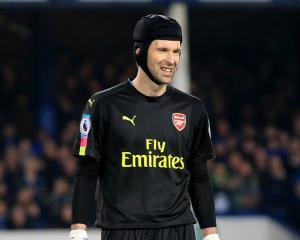 Petr Cech: Every goal counts in Premier League title race