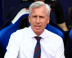 Alan Pardew feels the pressure to end Crystal Palace's wait for glory