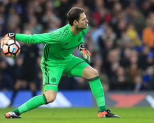 Chelsea block Begovic move, United fear losing duo to China - Transfer News