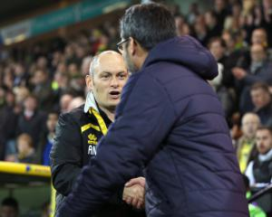Alex Neil will not step down after Norwich beaten again