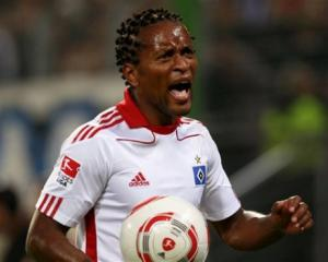 Fink scotches Ze Roberto Hamburg return