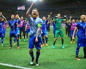 Iceland's Aron Gunnarsson looking to Wales for inspiration ahead of France clash