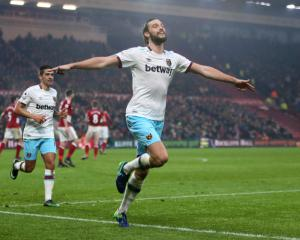 West Ham boss Slaven Bilic: I'm a big fan of Andy Carroll