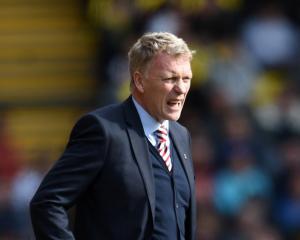 Sunderland boss David Moyes apologises over 'slap' threat to female reporter