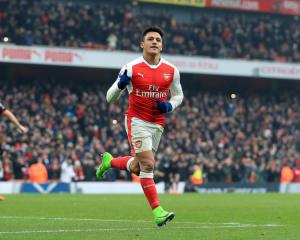 PSG targeting Arsenal star, Barkley puts Premier League elite on alert - Transfer News