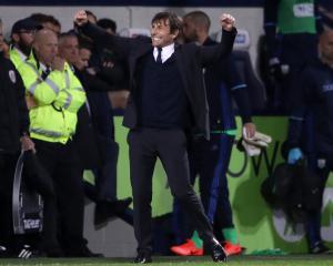 Antonio Conte urges Chelsea players to turn great season into fantastic season