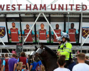 Policing 'solution' agreed for West Ham-Chelsea tie