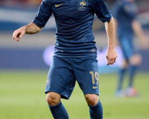 France midfielder Martin joins Lille