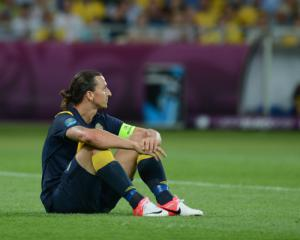 Ibrahimovic sits out part of Swedish training