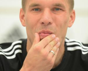 Poles have Podolski's conditional support