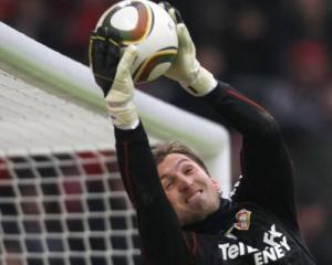 Leverkusen's Adler in talks with Hamburg: reports