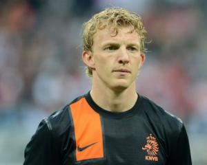 Kuyt signs for Turkey's Fenerbahce