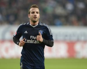 Van der Vaart open to Hamburg pay-cut