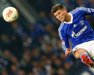 Schalke without Huntelaar for Bayern clash
