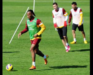 Drogba marks Galatasaray debut with goal