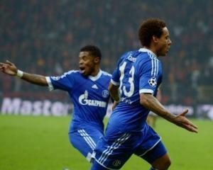 Jones strike earns Schalke draw at Galatasaray