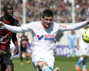 Marseille beat Nice despite absent fans