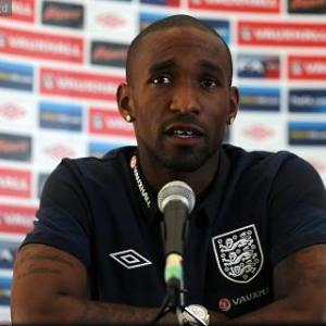 Moldova v England: Defoe can be Hodgson's shining light
