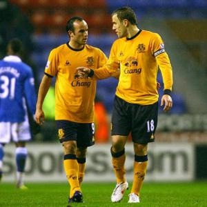 Neville wants Donovan back at Everton