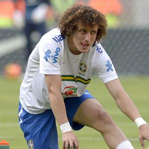 Luiz happy to stay with Blues