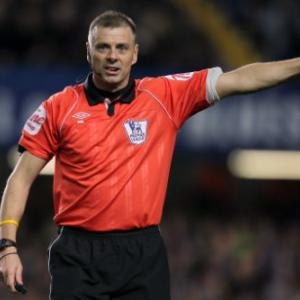 Premier League ref Halsey retires