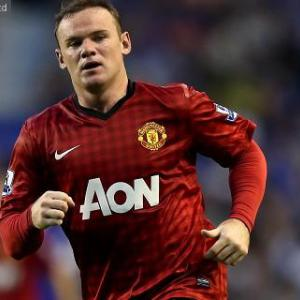 Rooney on bench as Van Persie starts