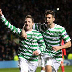 Hooper penalty sends Celtic through