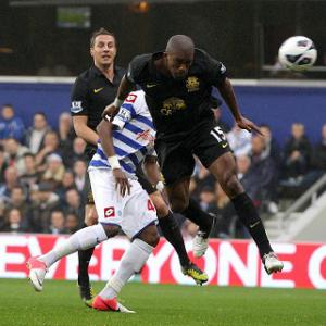 QPR held by 10-man Everton