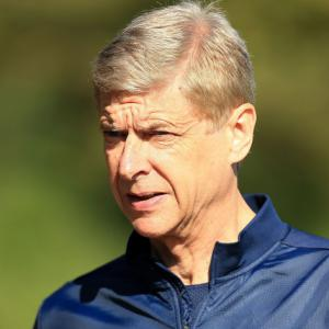 Wenger eyes 'special' additions