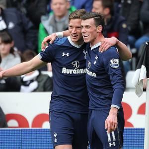 Bale inspires Spurs success at Swansea
