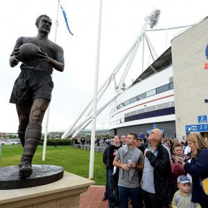 Lofthouse statue unveiled