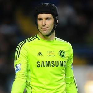 Cech wary of criticising team-mates
